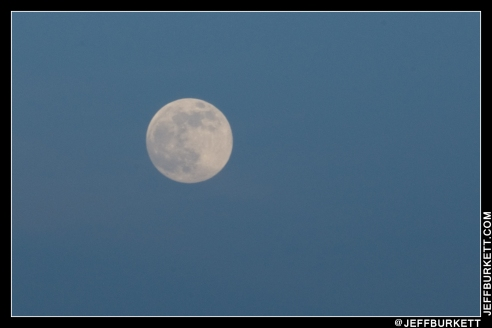 A somewhat blurry 'close up' of the moon. Was on top of a parking garage and the wind was 12-15 knots (©2013 Jeff Burkett Photography. All Rights Reserved. This material may not be published, broadcast, rewritten, or redistributed without permission.)